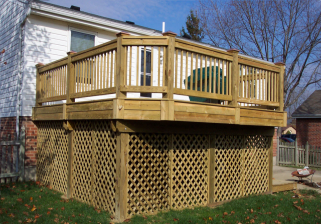 Deck Builder in Dayton Ohio, Design and Construction by M & M Home Remodeling & Construction